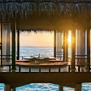 Luxury Maldives honeymoon Packages One And Only Reethi Rah Maldives Dining 3