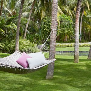 Luxury Maldives honeymoon Packages One And Only Reethi Rah Maldives Hammock