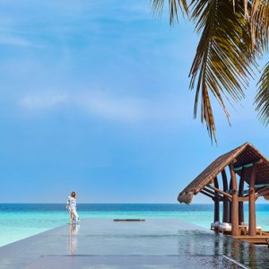 Luxury Maldives honeymoon Packages One And Only Reethi Rah Maldives Pool