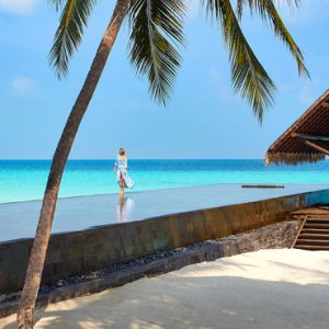 Luxury Maldives Honeymoon Packages One And Only Reethi Rah Maldives Pool 2
