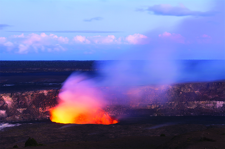 Things-to-do-on-your-Honeymoon-in-Hawaii---Volcanoes-