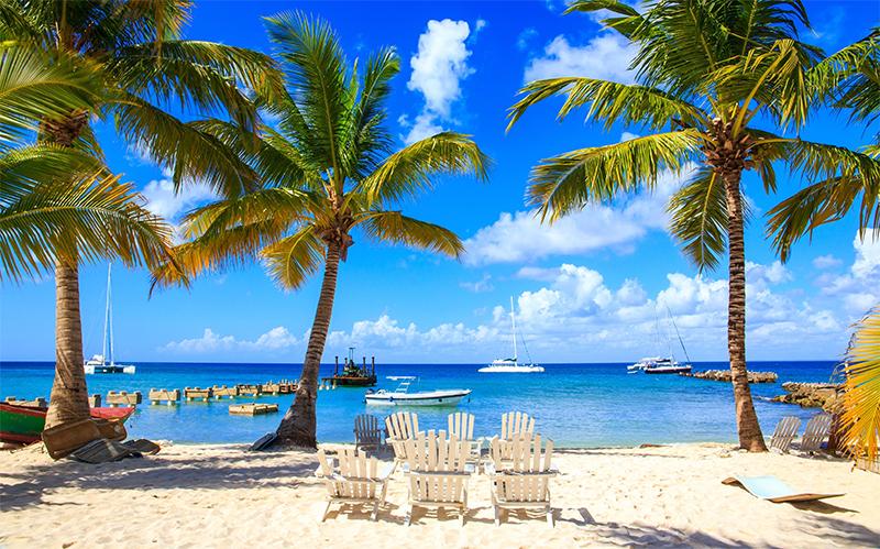 Top-10-luxury-honeymoons-2016-and-2017---honeymoon-dreams---thumbnail-