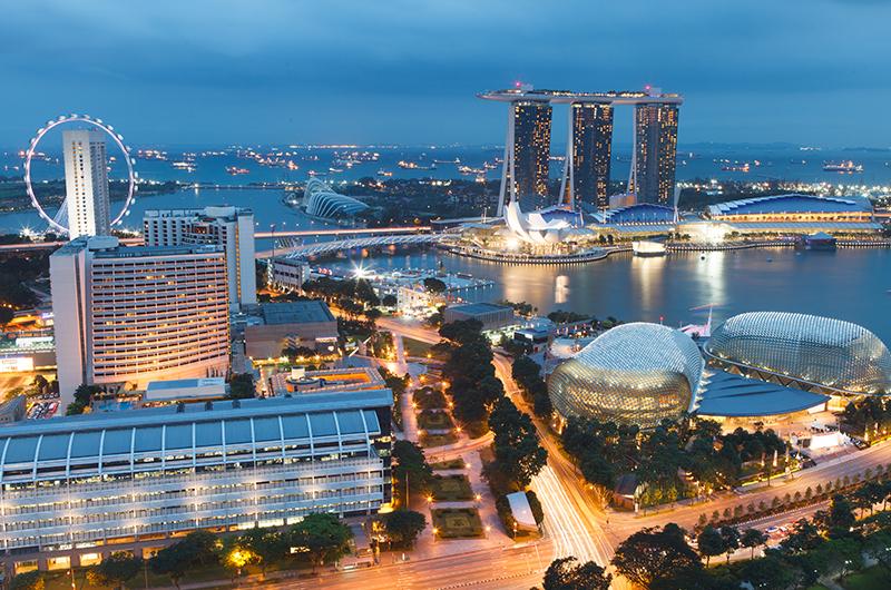Top-10-luxury-honeymoons-2016-and-2017---honeymoon-dreams---singapore-