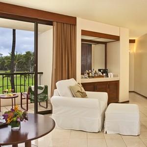 Makena Beach and Golf Resort - Hawaii Honeymoons - Partial Ocean View Suite - Bedroom