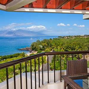 Makena Beach and Golf Resort - Hawaii Honeymoons - Ocean View Room - Bedroom