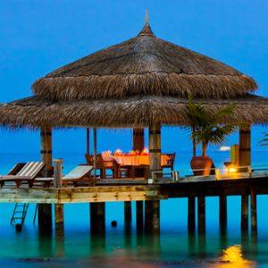 Dine Under The Stars Cinnamon Dhonveli Maldives Honeymoons