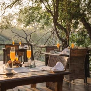 Dulini Lodge Kruger - Safari Honeymoons - Dining