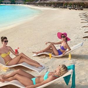 Juice Bar - cinnamon dhonveli - luxury maldives honeymoon packages