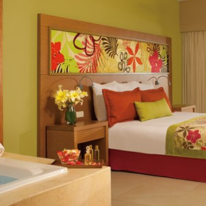 Luxury-Holidays-Dominican-Republic-Secrets-Royal-Beach-Punta-Cana-bedroom2