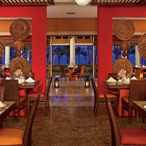 Luxury-Holidays-Dominican-Republic-Secrets-Royal-Beach-Punta-Cana-dining
