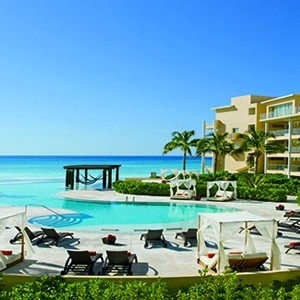 Now Jade Riviera Cancun - Mexico Honeymoons - Loungers