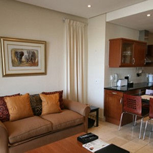Waterfront Village Cape Town - Cape Town Honeymoon - Luxury One Bedroom Apartment - dining