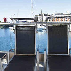 Waterfront Village Cape Town - Cape Town Honeymoon - Superior One Bedroom Apartment - loungers