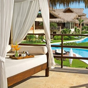 Zoetry Aguna Punta Cana - Dominican Republic honeymoons - Junior Suite Pool - Bed