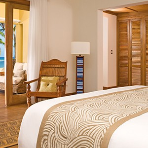 Zoetry Aguna Punta Cana - Dominican Republic honeymoons - junior suite deluxe ocean front - bed