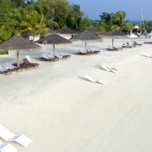 beach 2 - cinnamon dhonveli - luxury maldives honeymoon packages