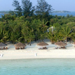 beach 3 - cinnamon dhonveli - luxury maldives honeymoon packages