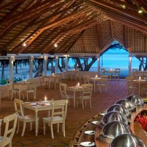 dining - cinnamon dhonveli - luxury maldives honeymoon packages