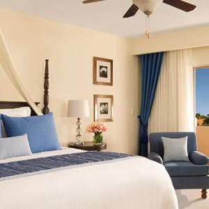 dreams-palm-beach-bedroom