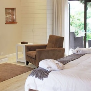 robberg-beach-lodge-suite-bedroom