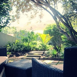 robberg-beach-lodge-suite-outside-terrace