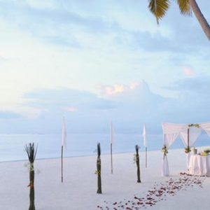 Maldives Honeymoon Packages Shangri La's Villingili Resort And Spa Beach Blessing Ceremony Set Up