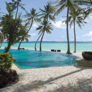 Maldives Honeymoon Packages Shangri La's Villingili Resort And Spa Endheri Pool With Waiter