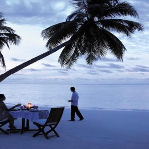 Maldives Honeymoon Packages Shangri La's Villingili Resort And Spa Romantic Dinner On The Beach