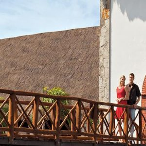Mexico Honeymoon Packages Now Sapphire Riviera Cancun Couple On Bridge