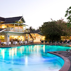 Pool - Sandals Halcyon Beach - Luxury St Lucia Honeymoons