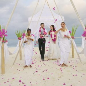 Luxury Maldives Holiday Packages Olhuveli Beach And Spa Resort Maldives Wedding