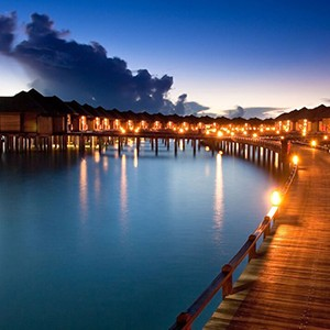night - The sun Sivam Iru Fushi - Luxury Maldives Honeymoons