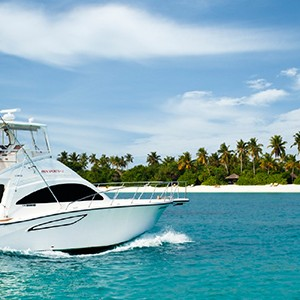 yacht - The sun Sivam Iru Fushi - Luxury Maldives Honeymoons