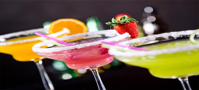 Create the perfect honeymoon date - honeymoon dreams - cocktails