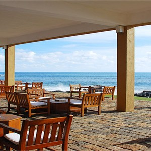 Jetwing Lighthouse - Sri Lanka - Honeymoon dreams - sea tables