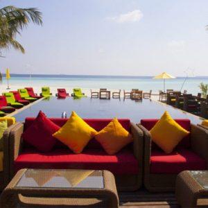 Thundi Pool Bar Dhigufaru Island Resort Maldives Honeymoons
