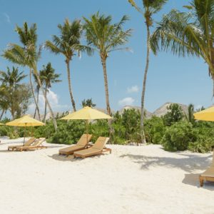 Sun Beds On The Beach Dhigufaru Island Resort Maldives Honeymoons