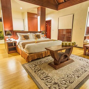Furaveri Island Resort and Spa - Maldives Honeymoon Packages - Beach villa Room