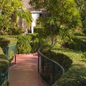 Grand Bungalow suite 4 - beverly hills hotel - luxury los angeles honeymoon packages