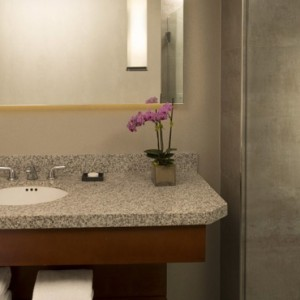 Highlands Suite 2 - Loews Hollywood Hotel - luxury los angeles honeymoon packages