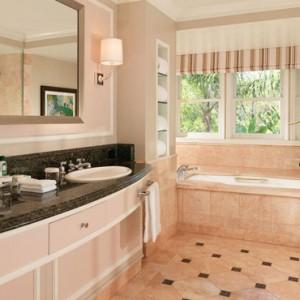 Superior Bungalow Suite 3 - beverly hills hotel - luxury los angeles honeymoon packages