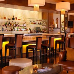 bar nineteen12 - beverly hills hotel - luxury los angeles honeymoon packages
