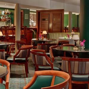 dining - beverly hills hotel - luxury los angeles honeymoon packages
