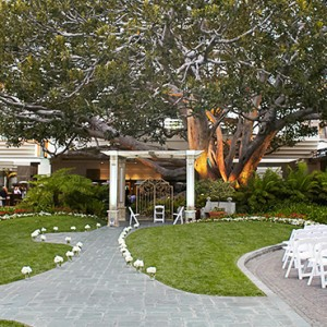 wedding - Fairmont Miramar Hotel and Bungalows - luxury los angeles honeymoon packages