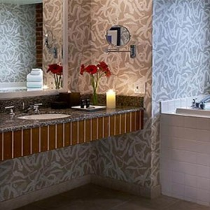 argonaut-san-francisco-honeymoons-king-suite-bathsuite