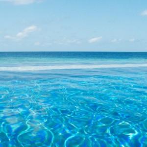 pool-vivanta-by-taj-coral-reef-luxury-maldives-honeymoon-packages