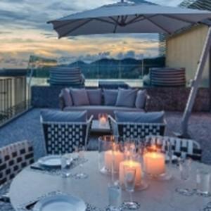 como-point-yamu-phuket-honeymoon-como-suite-balcony-sunset
