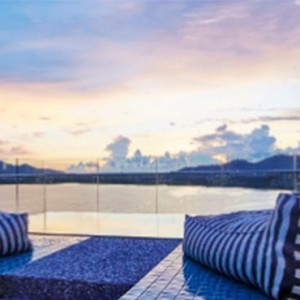 como-point-yamu-phuket-honeymoon-como-suite-balcony-sunset1