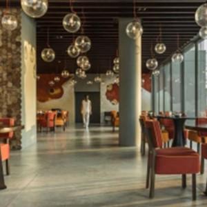 como-point-yamu-phuket-honeymoon-nahmyaa-thai-restaurant