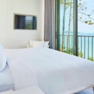 como-point-yamu-phuket-honeymoon-point-yamu-pool-villa-bedroom